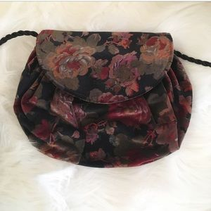 Vintage Floral Velvety Handbag w Rope Arm Strap